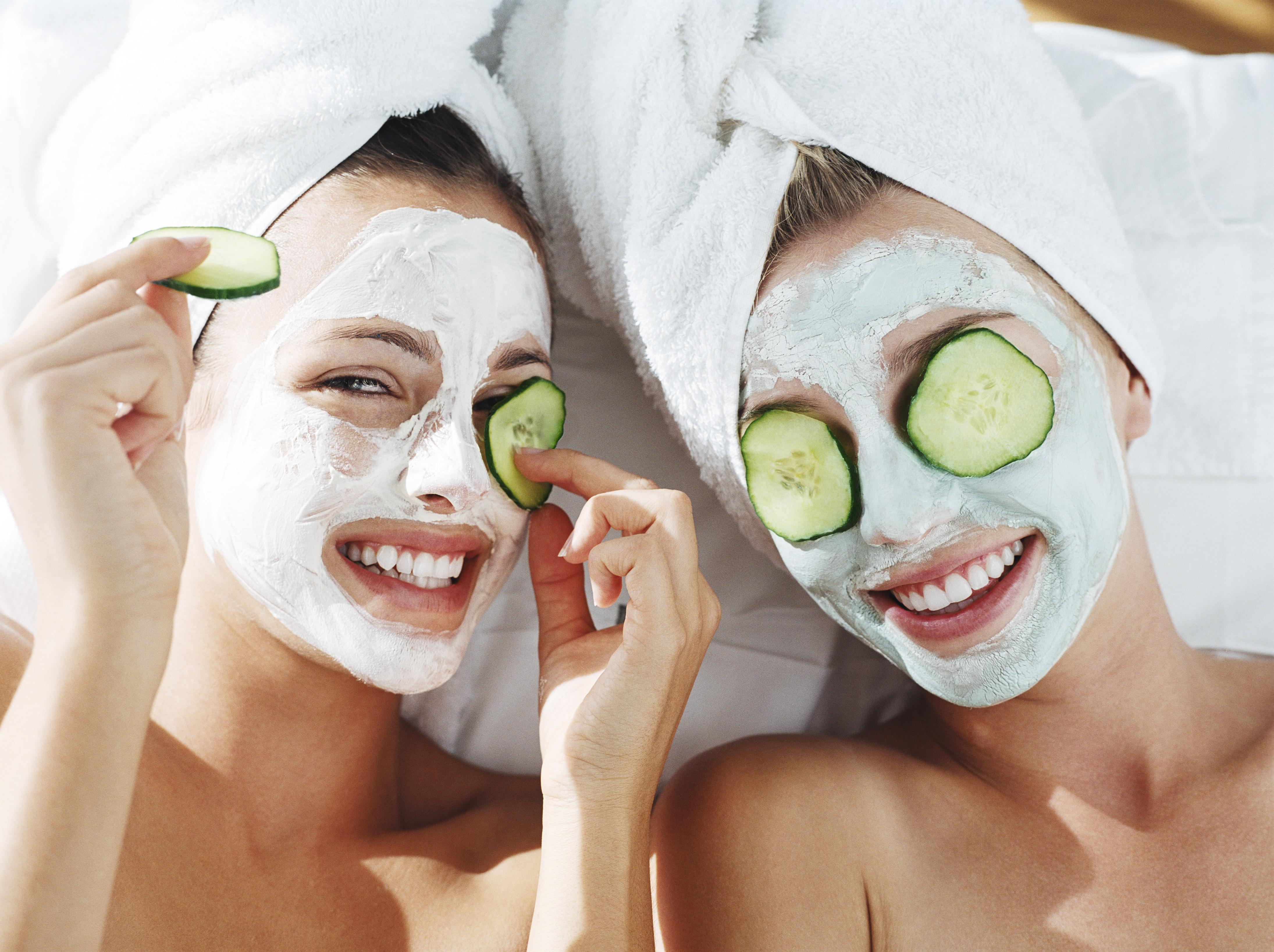 Отбеливающие маски с огурца в домашних условиях