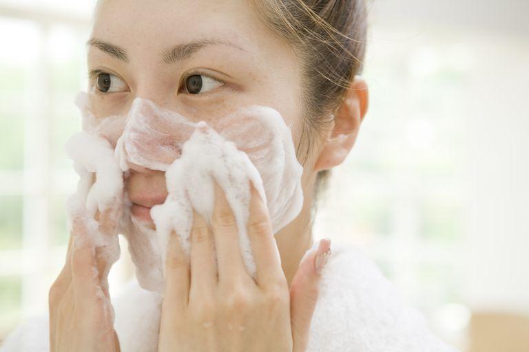 Виды средств для умывания, и как правильно подобрать по типу кожи?