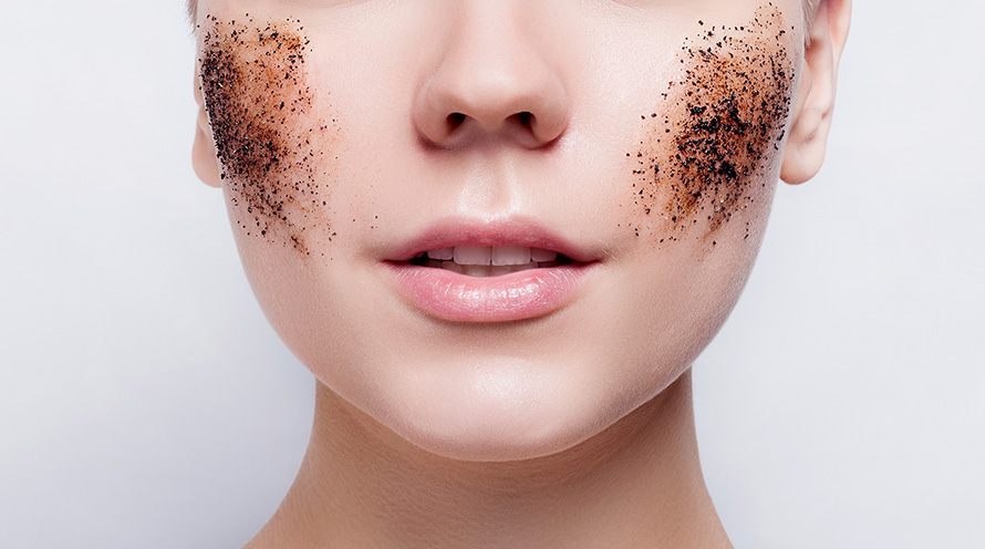 Пилинги, скрабы, гоммажи – что лучше всего очистит лицо?