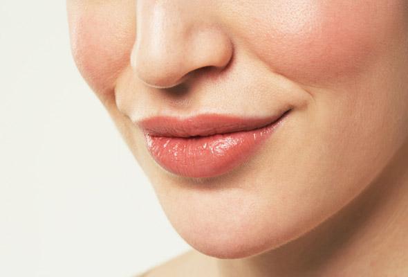 Процедура увеличения губ липофилинг