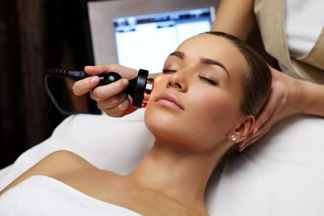 Какой уход за кожей в 25 лет может предложить косметолог