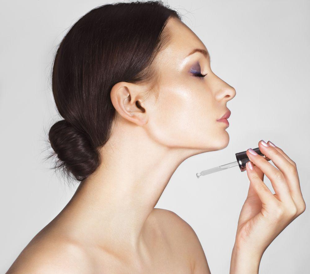 Используйте сыворотки и концентраты для возрастной кожи
