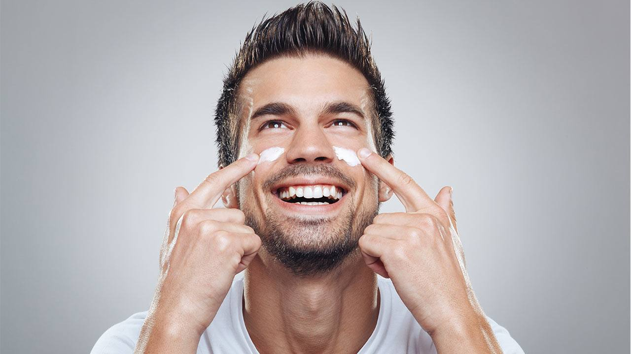 Уход за кожей лица для мужчин и его особенности