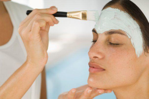 Салонные процедуры по уходу за кожей после пятидесяти