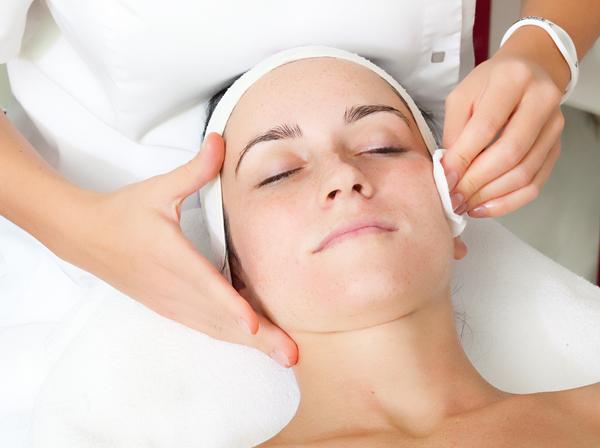 Салонные процедуры против сухости кожи