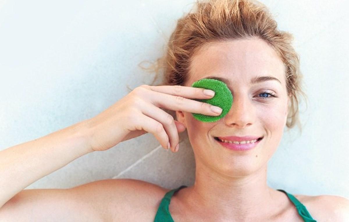 Как убрать отеки лица и мешки под глазами?