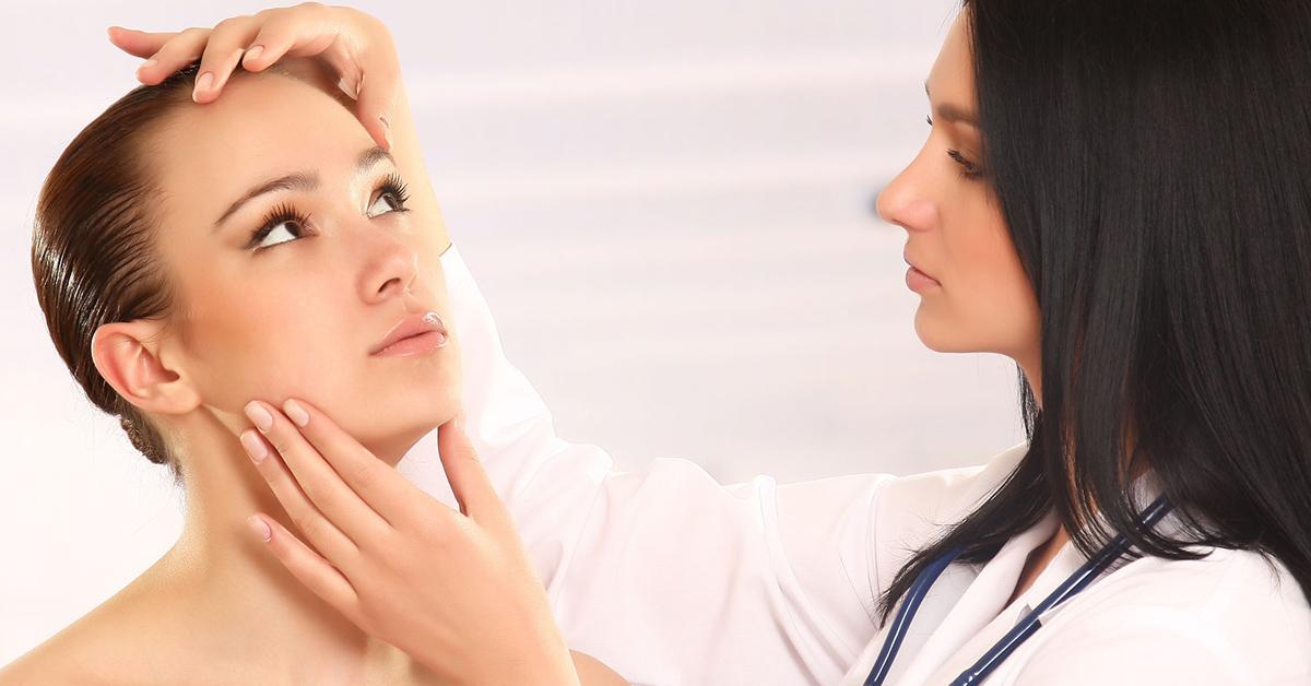 Когда стоит обратиться к косметологу?