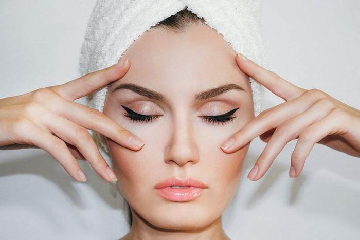Как ухаживать за кожей лица после пилинга в домашних условиях?