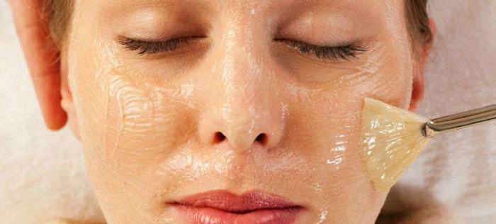 Что выбрать, процедуры дома или у косметолога?