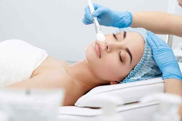 Отзывы косметологов о том, какой пилинг для лица лучше