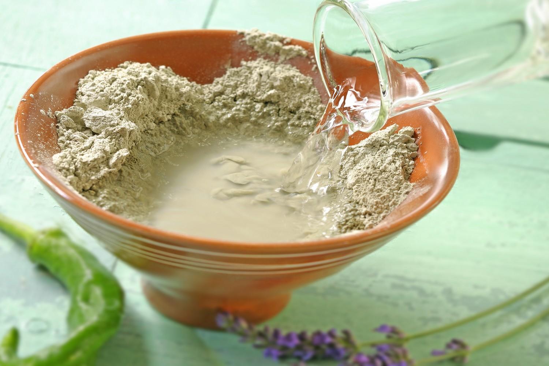 Маска из глины для питания кожи