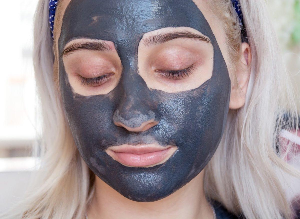 Голубая маска для лица