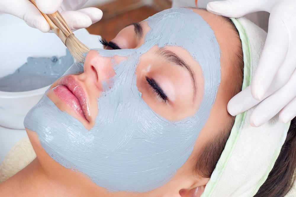 Рецепты масок для лица из голубой глины