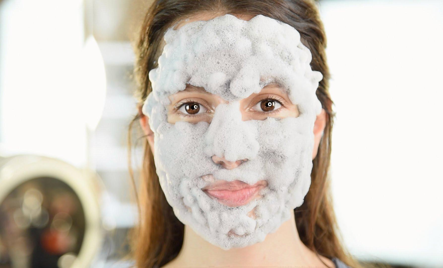Лучшие пенящиеся маски для лица