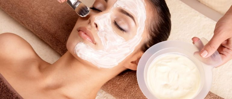 Самые эффективные маски для лица в домашних условиях