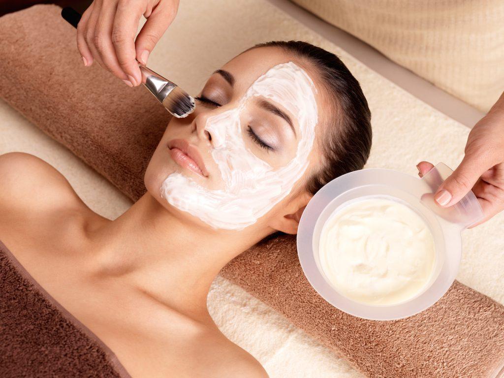 Использование омолаживающих масок для лица