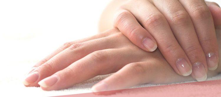 Почему кожа на пальцах рук трескается и шелушится – причины и лечение недуга
