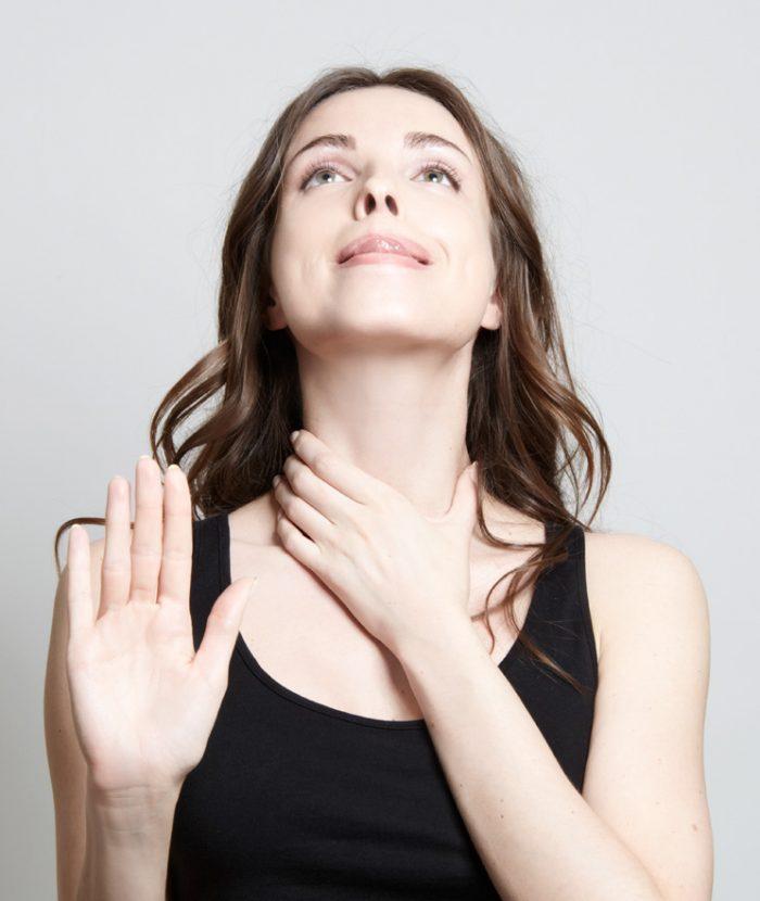 Упражнения для подбородка и области шеи