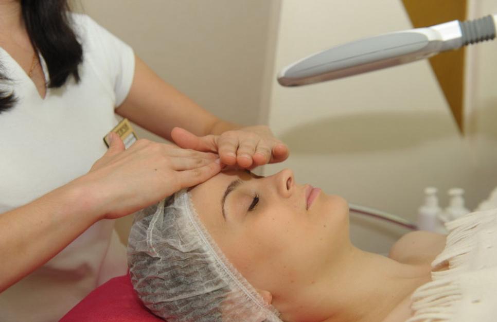 Процедуры для омоложения лица - самые эффективные методики