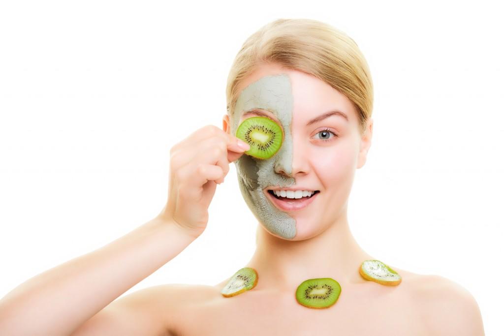 Применение масок для лица с киви