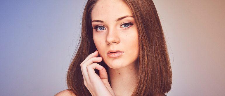 Причины и лечения прыщей на подбородке у девушек
