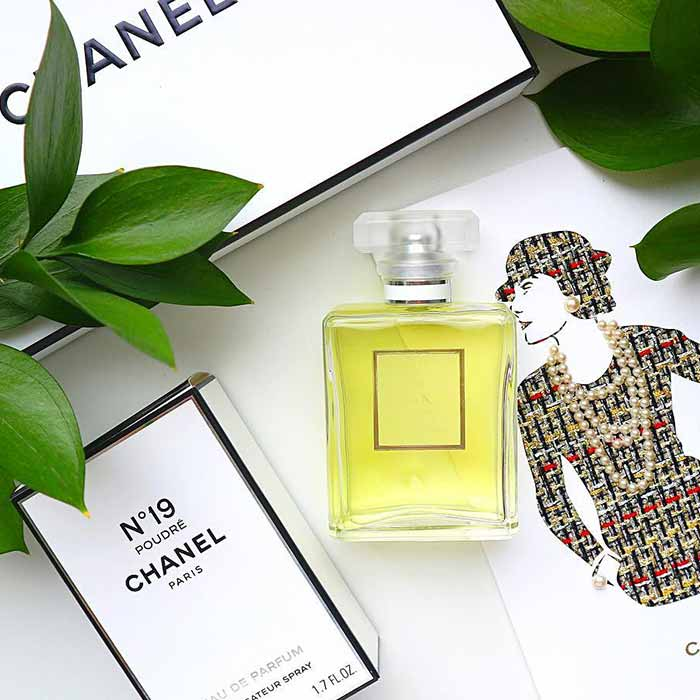 Chanel 19 Poudre Chanel